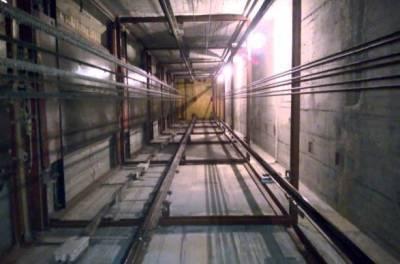 В киевском гипермаркете оборвался лифт с человеком внутри