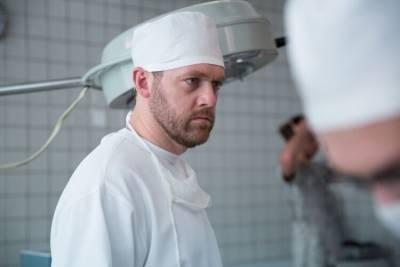 Пластический хирург нашел нестыковки в сериале «Доктор Преображенский»