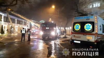 В Одессе горел отель Arcadia Apartments: погиб человек (фото, видео)