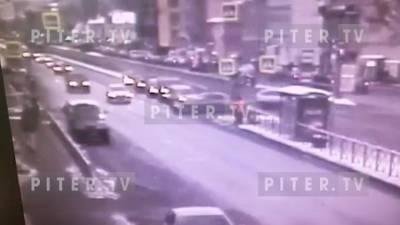 В ДТП на перекрестке Лиговского и Курской пострадал пешеход