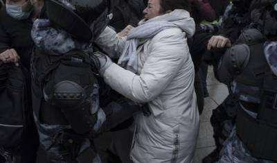 В Москве отдали под суд 450 участников несанкционированных акций