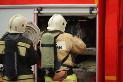 В Астраханской области при пожаре в бане пострадал человек
