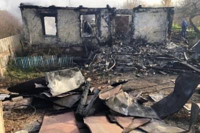 СК изучит обстоятельства гибели при пожаре двух мужчин в Курской области