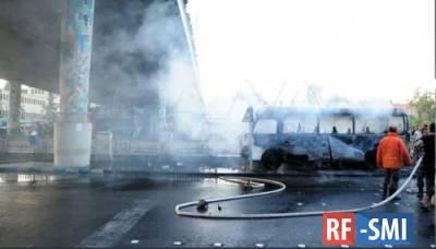 Взрыв прогремел в центре Дамаска. Сгорел автобус с военнослужащими