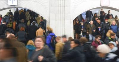 Мужчина умер в московском метро в час пик