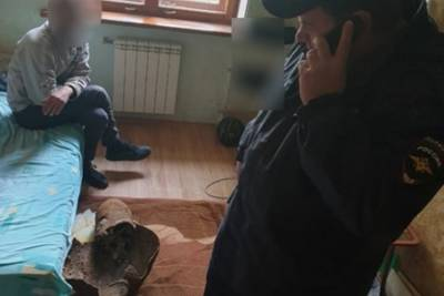 Житель Симферополя прятал 80-сантиметровый снаряд под кроватью