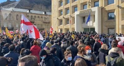 О чем пишут грузинские газеты: появится ли в Грузии третья сила