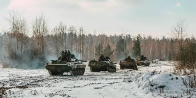 Боевики на Донбассе продолжают обстреливать украинские позиции. Штаб связывает это с ротацией оккупационных войск России