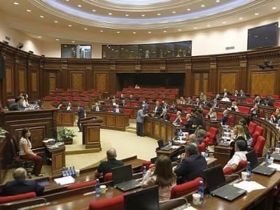 В Армении оппозиция предложила премьеру сделку по внеочередным выборам