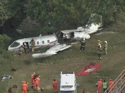 В Бразилии при посадке разбился самолет: есть погибший