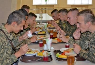 Військовий анонімно розповів, чим годують армійців: такого не продають на найдешевших ринках, а третину – не довозять взагалі