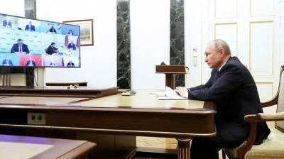 Путин продолжит находиться в строгой изоляции, несмотря на заявление о сделанной прививке от коронавируса