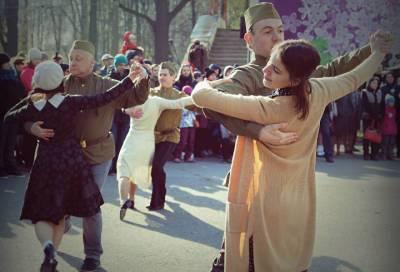 Праздничные концерты, танцы и возложения цветов: как провести выходные в Ленобласти 9 мая