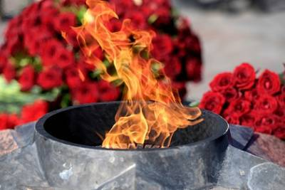 В Братиславе зажгли доставленный из Москвы Вечный огонь