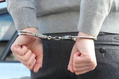 Полицейские под Курском спасли ребёнка, которого чуть не задушил пьяный мужчина