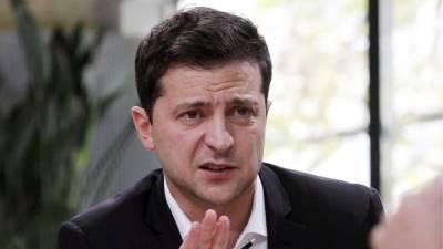 Зеленский ответил на обвинения в закрытии русских школ