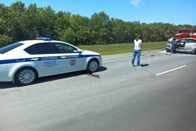 В Волгоградской области в ДТП на трассе погибли три человека