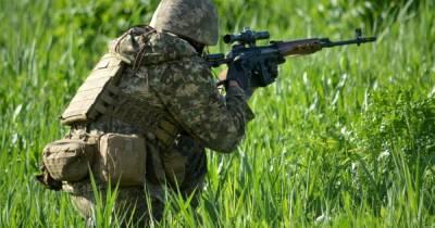 Война на Донбассе: террористы пять раз открывали огонь