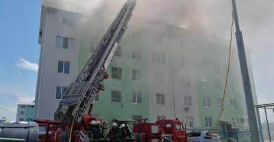 Восемь человек пострадали при мощном взрыве в пятиэтажке под Киевом