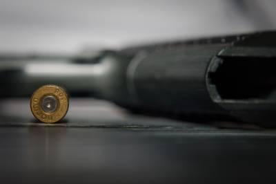 В Петербурге торопившийся на вызов сотрудник ДПС потерял пистолет