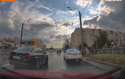Названа причина задержания голого танцора на севере Петербурга