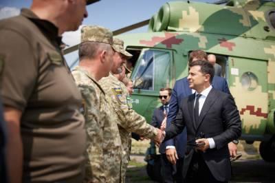 Зеленский прибыл на Донетчину: представил нового командующего ОС и поздравил Авдеевку с 7-й годовщиной освобождения