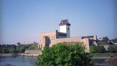 Трое кубинцев попытались уплыть из России в Эстонию на матрасах