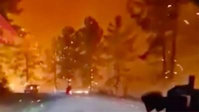 Жители Турции поделились кадрами с «огненной трассой»