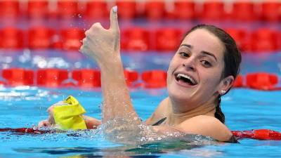 Австралийка Маккеоун выиграла заплыв на 200 м на спине на Олимпиаде