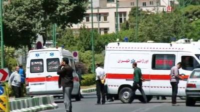 В иранской провинции Тегеран слышны звуки выстрелов и взрыва