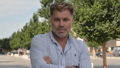 «Он был моим отражением»: писатель Олег Рой рассказал, как живет после смерти сына