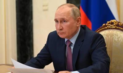 Путин целый день общался с сотрудником, который заболел коронавирусом
