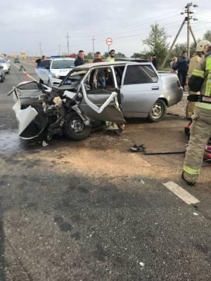В тройном ДТП на трассе под Астраханью погиб мужчина
