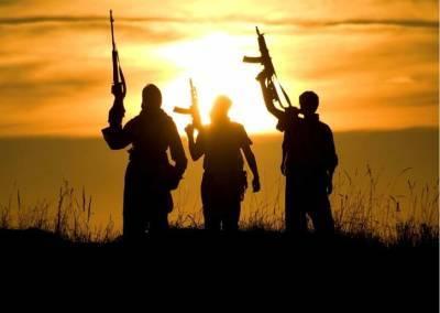В Афганистане талибы вывесили тела 4 человек на главную площадь в Герате и мира